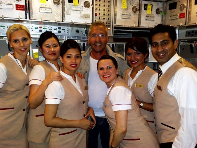 how to become cabin crew male